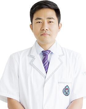 惠州元辰医疗美容门诊部整形医生 李震